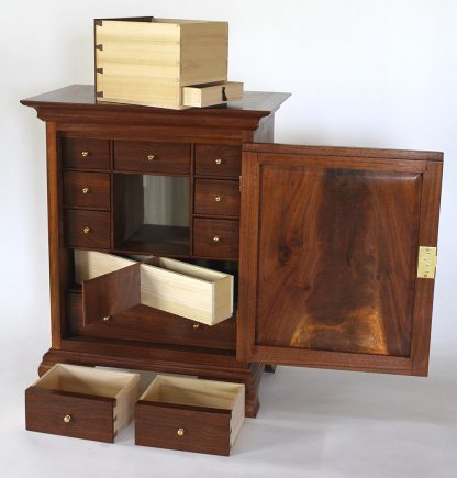 Pennsylvania spice boxes are great projects for woodworkers of all levels.